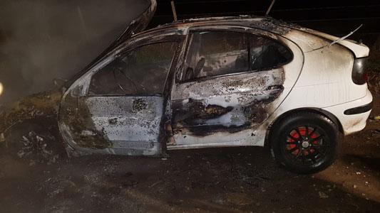 Un auto se incendió en la prolongación de Salto Grande, entre Savio y Ruta N° 2