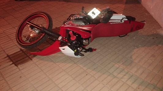 Motociclista con triple fractura por un choque en barrio Güemes