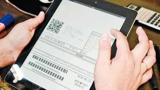 Adiós al papel: monotributistas obligados a usar factura electrónica