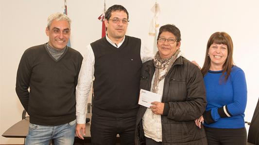 36 familias fueron beneficiadas con la Tarjeta Social
