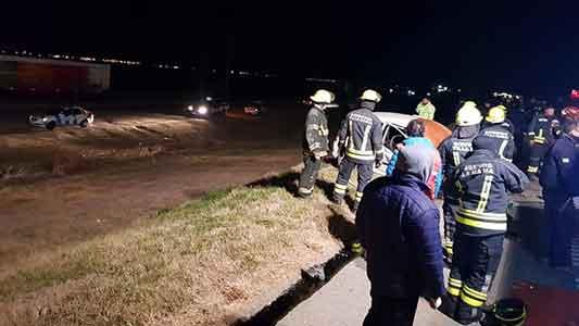 Autopista fatal: Un muerto en choque frontal entre auto y camión