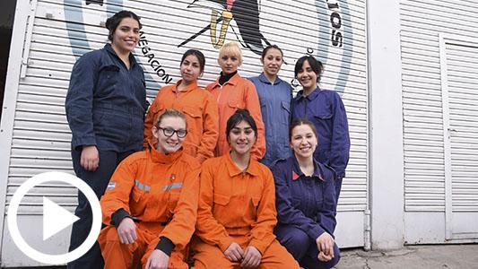 12 mujeres decididas a arriesgar su vida como bomberas por los demás