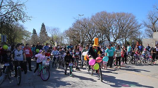 Bicicleteada por la Costanera para cerrar los festejos por el mes de los niños