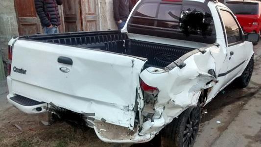 Violento choque en Villa Nueva: Dejó dos autos arruinados y se fugó