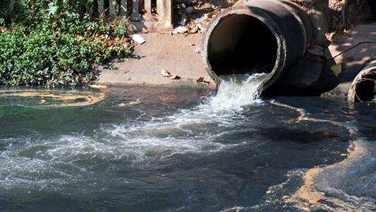 Villa Nueva: empresa láctea tiró agua residual al río y fueron multados