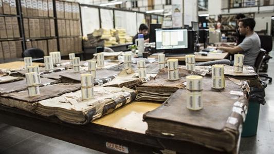 Gobiernos dicen adiós al papel: digitalizan y desechan toneladas de documentos