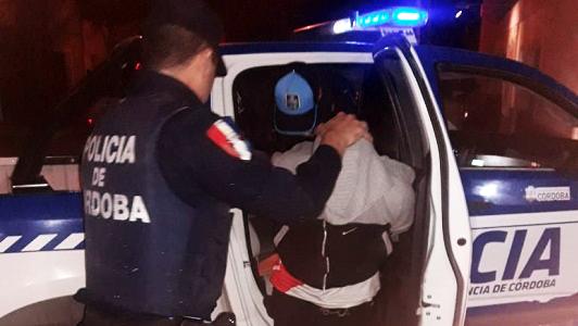 Disturbios en Villa Nueva y un intento de asalto a punta de cuchillo en Villa María