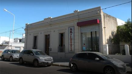 Dos robos en una misma noche: violentaron puertas y se llevaron dinero de una inmobiliaria