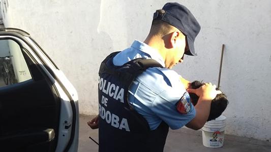 Robos a viviendas en ambas villas: vecinos alertaron a la policía y detuvieron a los asaltantes
