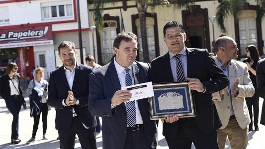 En su aniversario, Villa Nueva recibió 300 mil pesos de la Provincia