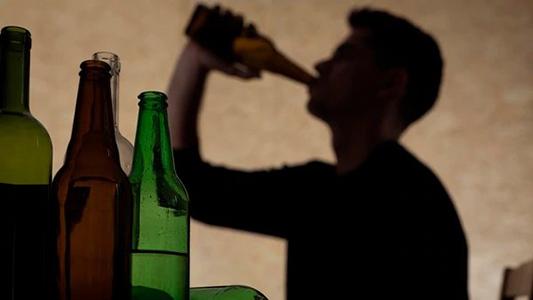 Alcohol, marihuana y cigarrillos: El consumo en Córdoba empieza a los 14