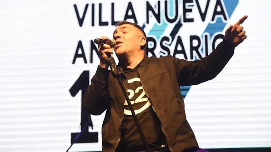 Más de 16 mil personas bailaron con el Loco Amato en parque Hipólito Yrigoyen