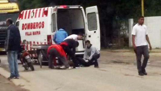 Caídas en moto: Dos mujeres heridas con traumatismos, una perdió el conocimiento
