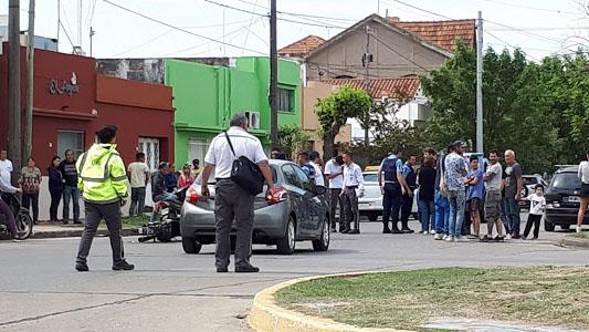 Tres niños heridos en un accidente de tránsito entre auto y moto