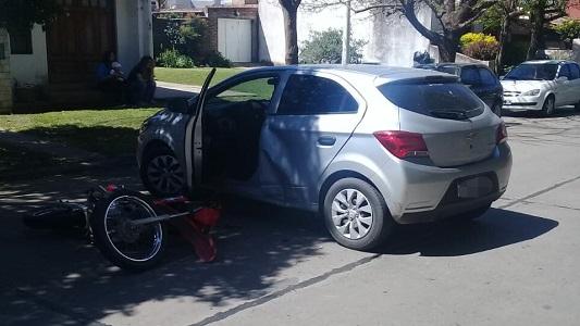 Chocó con su moto en el Santa Ana y fue trasladado al Hospital