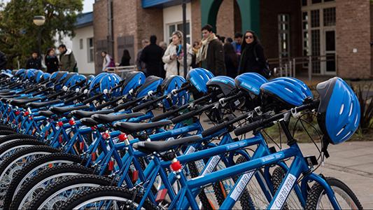 Bicis gratis para universitarios: Cómo anotarse en el Club del Pedal