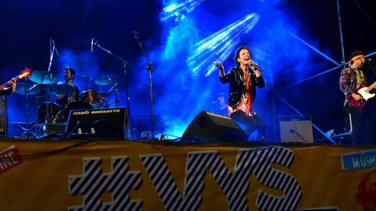 Una multitud bailó y cantó todos los éxitos de Coti Sorokin