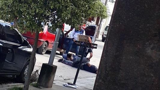 Detuvieron a tres personas en barrio Ameghino