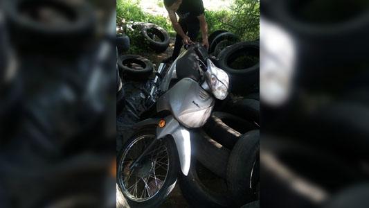 Recuperaron una moto robada en un descampado del barrio San Martín