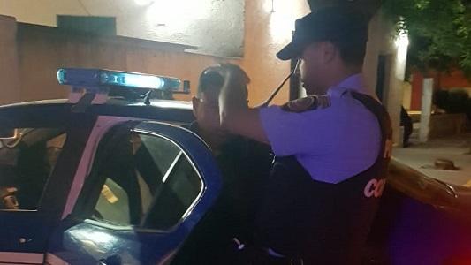 Exhibía una pistola calibre 22 y terminó preso