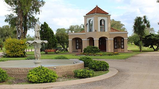 Misa anual por el Día de los Fieles Difuntos en Cementerio Parque La Naturaleza