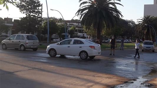 Autos, motos y chata protagonizaron choques en distintos puntos de la ciudad