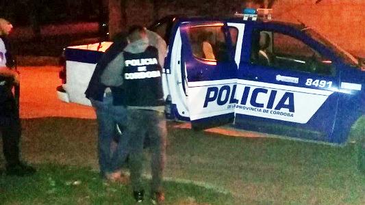 Auto secuestrado y hombre detenido por robo de varios elementos de valor