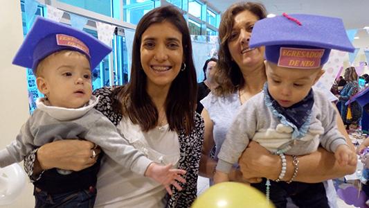 """Fiesta de """"egresados"""" para bebés prematuros en la Neo del Hospital Pasteur"""