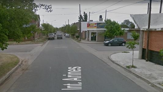 Arrebatadores en moto, atrapados a 9 cuadras de atacar una mujer