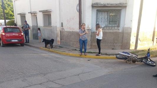 Chocó hermana del intendente de Villa María en un cruce de Villa Nueva
