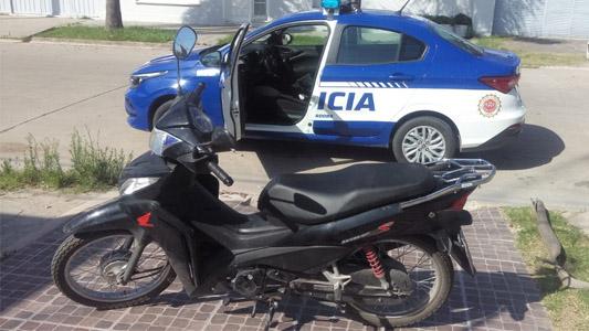Recuperaron una moto robada: ladrones la abandonaron en el Ameghino