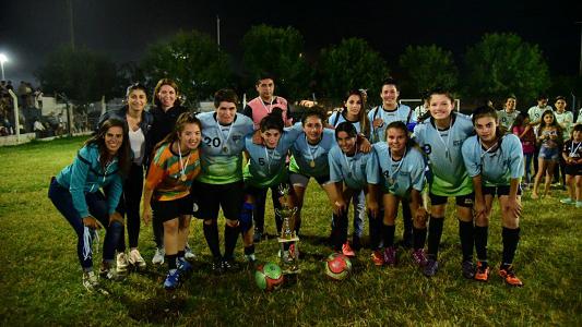 """Fútbol femenino: """"Las Híporas"""" son las campeonas del torneo local"""