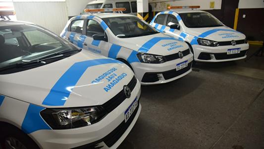 Provincia entregó tres autos y dos motos a Seguridad Ciudadana
