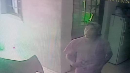 Video: le roba a sus vecinos de barrio San Nicolás y quedó escrachado por cámaras