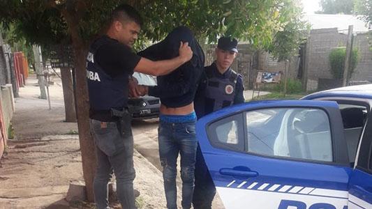 Detuvieron al asaltante del taxista por amenazarlo con un cuchillo y robarle dinero