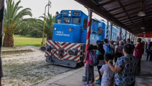 Éxito total la parada oficial del tren de pasajeros en Bell Ville