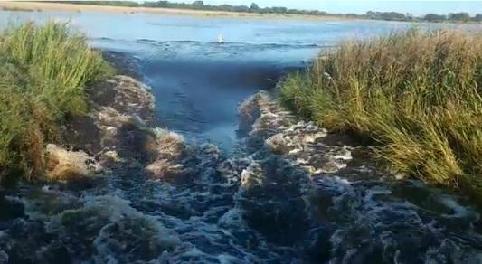 Entra más agua en Arroyo Algodón por el sector norte: Una familia evacuada