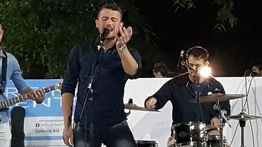 Comienzan los miércoles de nuevos talentos de cantores en Villa Nueva
