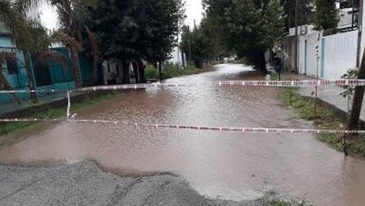 Más de 50 milímetros en pocas horas inundaron esas calles de siempre