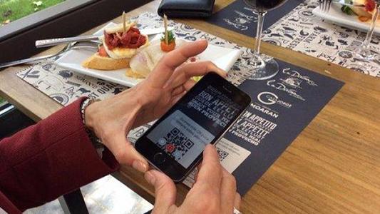 Menú inclusivo: 12 bares tienen cartas accesibles para personas con discapacidad visual