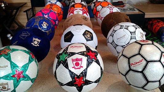 Bell Ville: Dialogan con YPF para que compre pelotas de fútbol fabricadas en la región