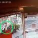 VIDEO: Dejó el casco unos minutos en la peatonal y se llevó una sorpresa