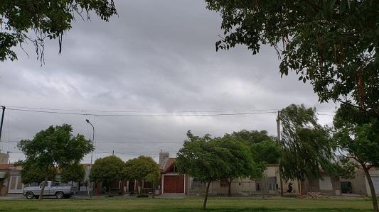 Después del ventarrón y algunas gotas ¿cómo seguirá el tiempo en Villa María?
