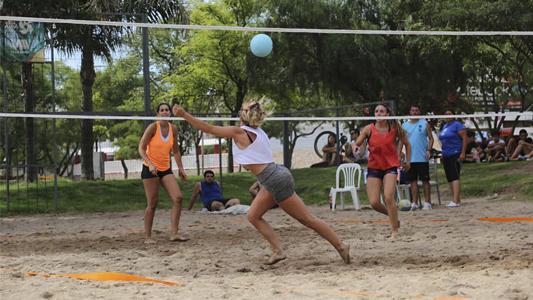 Handball y Voley Beach en la costa: ¿Quiénes fueron los ganadores?