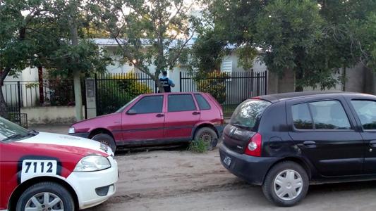 Allanaron viviendas y encontraron horno robado en un carribar: dos detenidos