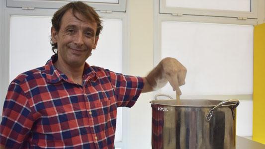 Qué vino a buscar el famoso chef de la tele Borja Blazquez a Villa María
