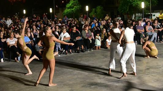 Con lleno total, cierra la temporada de verano de Cultura en la explanada
