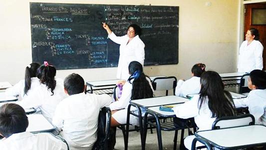Cómo es el aumento que docentes y trabajadores acordaron con la Provincia
