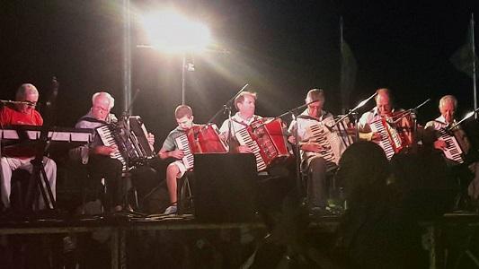 Los acordeones de toda la región suenan otra vez en Villa Nueva