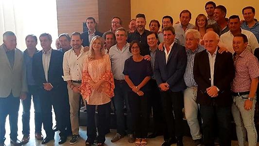 Gill participó de una cumbre con peronistas y kirchneristas en San Juan